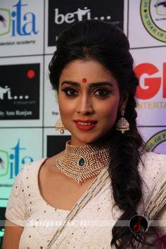 South Indian Actress #NIDHHIAGERWAL NIDHHI AGERWAL PHOTO GALLERY  | PBS.TWIMG.COM  #EDUCRATSWEB 2020-06-07 pbs.twimg.com https://pbs.twimg.com/media/EZ4DUPsWoAUymI3?format=jpg&name=small