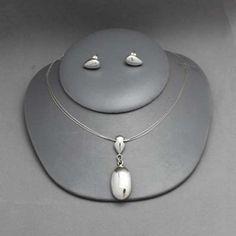 Collar y aretes de plata. Joyería de  moda. Necklace in sterling silver.