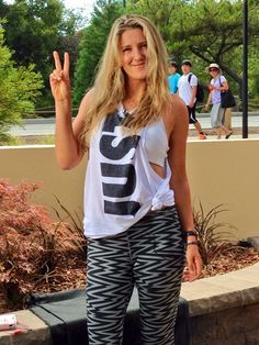 .@Vika7 Azarenka is in Stanford ready for the @BOTWClassic ;) #WTA #tennis pic.twitter.com/AOnyGuq7GZ