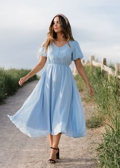 Modest Fashion, Women's Fashion Dresses, Modest Clothing, Romantic Style Fashion, Modest Church Outfits, Apostolic Fashion, Feminine Fashion, Feminine Dress, Cute Fashion Style