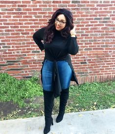 Today we shine the light on plus size style blogger, Tameka of Embellished Dame and talk life as a plus size tall woman, plus size fashion inspirations, and those who inspire her!
