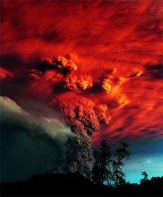 Puyehue volcano near Osomo in southern Chile, 870km south of Santiago.  June 5, 2011 // text and photo by beymen0