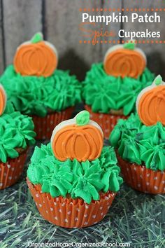 A delicious pumpkin cupcake recipe that's sure to be a crowd pleaser! I love pumpkin recipes!