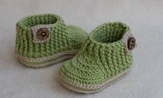 CROCHET PATTERN for Baby green booties with by crochetbabypattern
