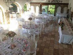 Allestimento semi esterno in portico bordo piscina Semi, Wedding Day, Villa, Table Decorations, Home Decor, Pi Day Wedding, Decoration Home, Room Decor, Marriage Anniversary
