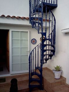 Traditional Victorian Spiral Staircases – British Spirals & Castings