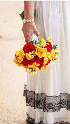 Red And Yellow Roses, White Roses, White Flowers, Rose Wedding Bouquet, Floral Wedding, Wedding Flowers, Amazing Flowers, Beautiful Roses, Bulk Roses
