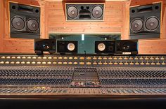 8078 Neve console. RESEARCH #DdO:) MOST #POPULAR RE-PINS -  http://www.pinterest.com/claxtonw/  > Last of 80 series hand-wired analog mixing consoles by Neve Electronics founded 1961, England for high-end recording studios during 1970s. Custom built for major studios like CBS Sony. Rare, valuable: recorded artists like Steely Dan, Nirvana, Pink Floyd, Dire Straits, Quincy Jones, George Clinton. Each console used top quality components & 2,500 hours+ of highly skilled labor. Pin via Planken