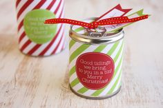 OH, OK!!!  You open the bottom of the can to put the gift inside, duh!!!  Cute idea!!