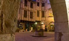 Castelnau de Montmiral Tarn Arcade, Beaux Villages, Landscaping, Houses, Mansions, House Styles, Places, Tourism, Landscapes