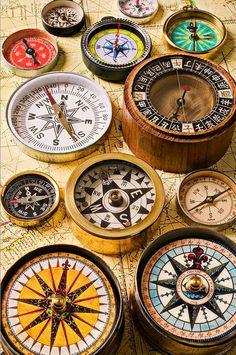 Compasses. Brújulas. Topógrafo. Land Surveyor. Repin: Topografía BGO Navarro - Estudio de Ingeniería