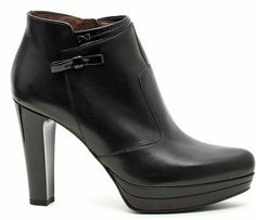 la collezione qui http://scarpefirmateonline.it/scarpe-nero-giardini/
