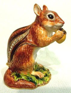 Squirrel African Theme Treasurines TR088 African Theme, Exchange Rate, Squirrels, Trinket Boxes, Special Gifts, Pewter, Dinosaur Stuffed Animal, Objects, Ads