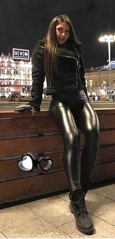 Wet Look Leggings, Shiny Leggings, Leggings Are Not Pants, Women's Leggings, Jeggings, Black Leather Leggings, Leather Trousers, Leather And Lace, Outfits Leggins