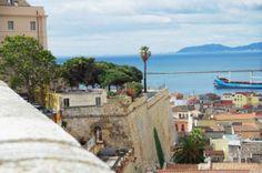 in uno dei quartieri più suggestivi di Cagliari, dietro la Torre dell'Elefante ....