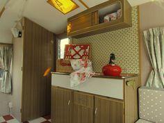 Daphne: caravan retro kitchen