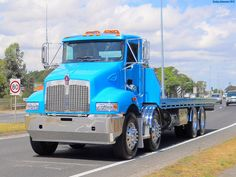 This Imaculate Twin Steer Tilt Tray Kenworth has it all Shining going through Tooradin in 2012 Train Truck, Road Train, Tow Truck, Kenworth Trucks, Peterbilt, Cool Trucks, Big Trucks, Work In New Zealand, Secret Squirrel