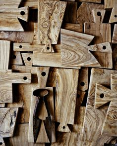 Andrea Brugi is a real artist who makes unique wooden pieces.   Chopping boards, benches, stools, solid trunks, garment racks and so on. All made out of beautiful oak or old wood from a chestnut tree. All the chopping boards are soaked for days in olive oil and the more they are used, the more beautiful they become.