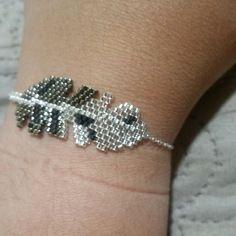 Bracelet plume / miyuki delicas / gris / chaine argent 925 / sur mesure