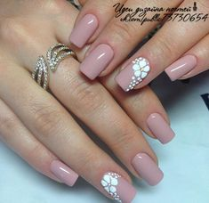 Nail art Christmas - the festive spirit on the nails. Over 70 creative ideas and tutorials - My Nails Frensh Nails, Nude Nails, Pink Nails, Hair And Nails, Cute Nail Colors, Nagellack Design, Flower Nails, Stylish Nails, Perfect Nails