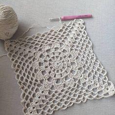 Kuvan kuvausta ei ole saatavilla. Crochet Cushion Pattern, Crochet Motif Patterns, Crochet Bedspread, Crochet Cushions, Granny Square Crochet Pattern, Crochet Chart, Crochet Squares, Filet Crochet, Granny Square Häkelanleitung