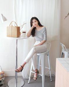 Korean Fashion – How to Dress up Korean Style – Designer Fashion Tips Korean Fashion Trends, Korea Fashion, Asian Fashion, Daily Fashion, Girl Fashion, Fashion Outfits, Sport Fashion, Girly Outfits, Classy Outfits