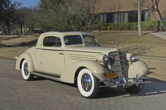 1934 Cadillac 355D Fleetwood Stationary Coupe Maintenance/restoration of old/vintage vehicles: the material for new cogs/casters/gears/pads could be cast polyamide which I (Cast polyamide) can produce. My contact: tatjana.alic@windowslive.com