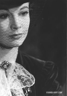 """Vivien Leigh as Jennifer Dubedat in George Bernard Shaw's """"The Doctor's Dilemma"""" at Theatre Royal Haymarket, London, Vivien Leigh, Old Hollywood Glamour, Hollywood Stars, Classic Hollywood, Scarlett O'hara, British Actresses, Actors & Actresses, Theatre Royal Haymarket, Gone With The Wind"""
