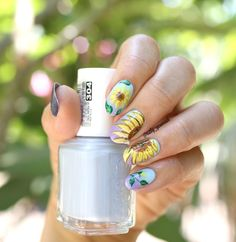 Sunflower-Nails