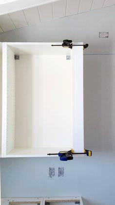 Nahaufnahme von OMLOPP LED-Spots in Weiß unter einem IKEA ... | {Küchenschrank ikea 42}