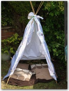 Super EASY no sew teepee. Takes 5 minutes to put together.