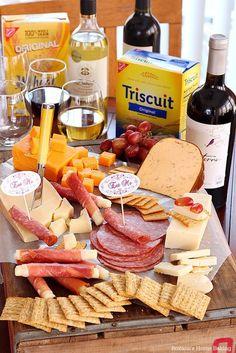 Girls Holiday Wine Night - Roxana's Home Baking Wine And Cheese Party, Wine Tasting Party, Wine Parties, Wine Cheese, Antipasto, Snacks Für Party, Appetizers For Party, Appetizer Recipes, Wine Night