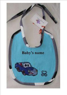 Personalized DISNEY baby girl bib, baby boy bib NEW. FREE SHIPPING !!! #SorinelaSavini