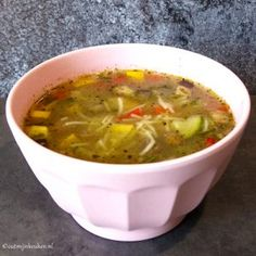 ouderwetse groentesoep recept Thai Red Curry, Chili, Soup, Ethnic Recipes, Autumn, Seeds, Chile, Fall Season, Fall