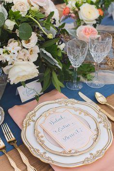 La Tavola Fine Linen Rental: Topaz Nectar Napkin with Tuscany Wedgwood Table Runner