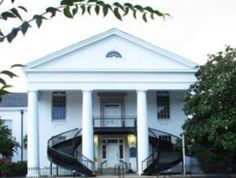American Ghosts and Hauntings: Witch of Winnsboro Courthouse - In the warm humid air of South Carolina in 1792, a plague of sorts shook the residents of Fairfield County.  Many folks were thought to be possessed and at the same time herds of cattle began to fall ill.  People began to suspect that a local band of Gifted Brethen were behind it all. Read the full story>>
