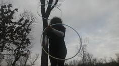 Thoroughly enjoyed the gorgoeus weather today   Trying to be careful since my knee is still healing!  #forest #ichoopers #hoop #doublehooping #gratefulhoopers #girlswhohoop #sacredcircle #outdoors #chestroll #hoopersofinstagram #hoopeverydamnday #hooplah #hoopersofig by shasta.lee
