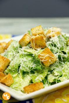 Receita fácil e tradicional de Salada Caesar ou Caesar Salad.