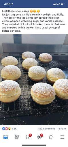 Mini Pie Recipes, Cake Recipes, Dessert Recipes, Cooking Recipes, Kingston Biscuits, Snow Cake, Vanilla Cake Mixes, British Baking, Mini Pies