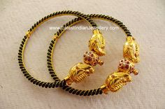 Cute Antique Baby Bangles/Murugulu with Black Beads Niedliche antike Baby Armreifen / Murugulu mit schwarzen Perlen mehta Girls Jewelry, Trendy Jewelry, Wedding Jewelry, Baby Jewelry, Gold Bangles Design, Gold Jewellery Design, Schmuck Design, Indian Jewelry, Indian Bangles