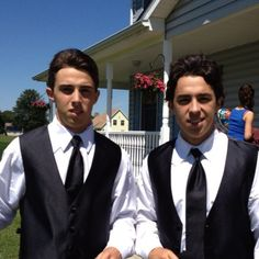 Johnny and his brother Johnny Gaudreau, Hockey Players, Calgary, Nhl, Mens Sunglasses, Cute, Sports, Brother, Hs Sports