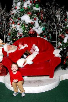The best Santa picture, ever :]    SO cute!