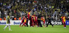 GalatasaraySK celebrates the championship at their arch rival FenerbahçeSK's stadium. The Championship, Latina, Soccer, Celebrities, Sports, Arch, Hs Sports, Futbol, Celebs