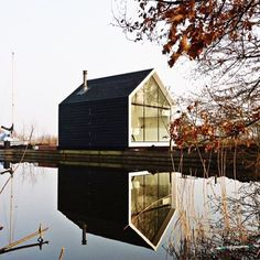 #Lakeside #House  Looking good in black.  #architectureporn #architecture