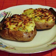 Duplán sült töltött krumpli Hungarian Recipes, Hungarian Food, Quiche Muffins, Baked Potato, Potatoes, Baking, Vegetables, Breakfast, Ethnic Recipes