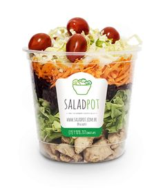 salada-no-pote-fresh Frango, beterraba, cenoura, tomate cereja, alface americana e acelga. Salad Packaging, Food Packaging Design, Veggie Recipes, Cooking Recipes, Healthy Recipes, Low Calorie Lunches, Vegetable Shop, Salads To Go, Bistro Food