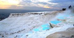 Piscinas de água naturalmente quentes em Pamukkale, na Turquia - Pesquisa Google