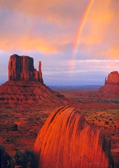 Rainbow in Monument Valley, Navajo Tribal Park, Utah, USA