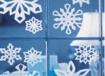 Easy Christmas Decorations for Your Dorm Room UVA | Her Campus