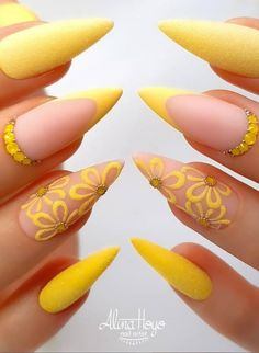 Do you want to try more bold and edgy nails? Then fine stiletto nails are your best choice. Check these amazing nail galleries together Fabulous Nails, Gorgeous Nails, Perfect Nails, Nagel Hacks, Stiletto Nail Art, Coffin Nails, Stiletto Nail Designs, Sassy Nails, Pretty Nail Art
